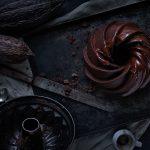 schokoladen-kuchen-guglhupf-von-oben